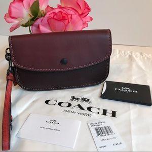 Coach Leather Clutch Wristlet Color Bordeaux